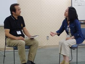 8月に渋谷で行われた「キャリアコンサルタント事前研修」の様子。実践を想定したロールプレイング
