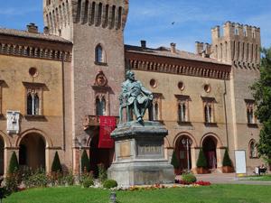 ヴェルディの故郷であり、上江さんのイタリアデビューの場所でもあるブッセートのヴェルディ劇場