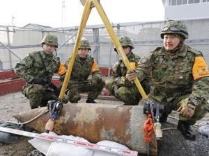 2013年2月に行われた静岡県浜松市での不発弾処理の様子
