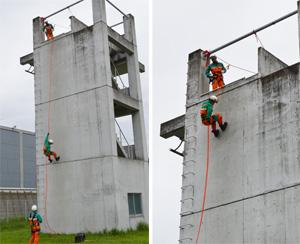 特殊救助隊のある敷地内には、訓練専用の施設が。写真は高さ10mから降下する杉本巡査部長の様子