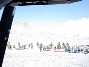 救助機「UH-60J」から見た救難活動の様子