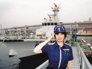 蓮見調整官の最初の目標である巡視艇船長となった、神戸海上保安部時代。この頃に出産、子育てができるのではと考えるようになった。