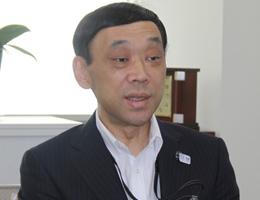 人事委員会事務局長 松山英幸氏氏