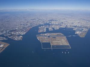 東京港全景 © 東京都港湾局