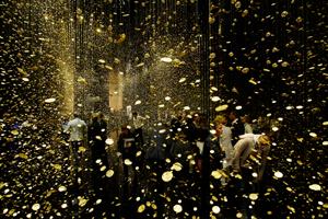 2014年にミラノサローネで発表した「LIGHT  is  TIME - CITIZEN」のインスタレーション。デザインアワードをダブル受賞するなど大きな話題となった田根氏の代表作