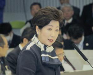 予算特別委員会 答弁に臨む小池知事(13日)