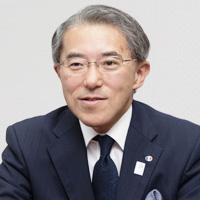 株式会社コナカ 代表取締役社長<br /> 湖中謙介さんさん